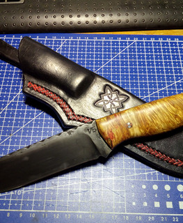 "Hunting knife ""Bear"" blade from ShH15, handle from a maple cap by Alexander Mehord"