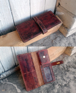 "Exclusive wallet with unique color by ""Aries and Taurus"" workshop"