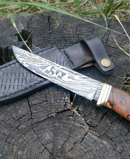 hand forged damascus knife 11 cm for hunting